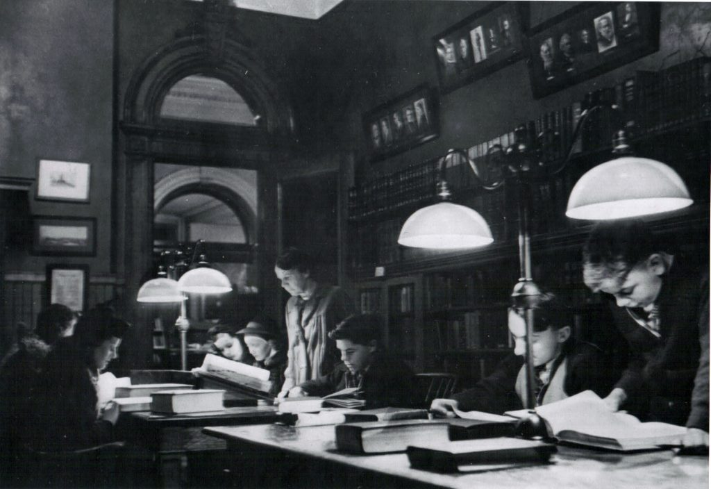 SJAC_History_Reference_Room_Students